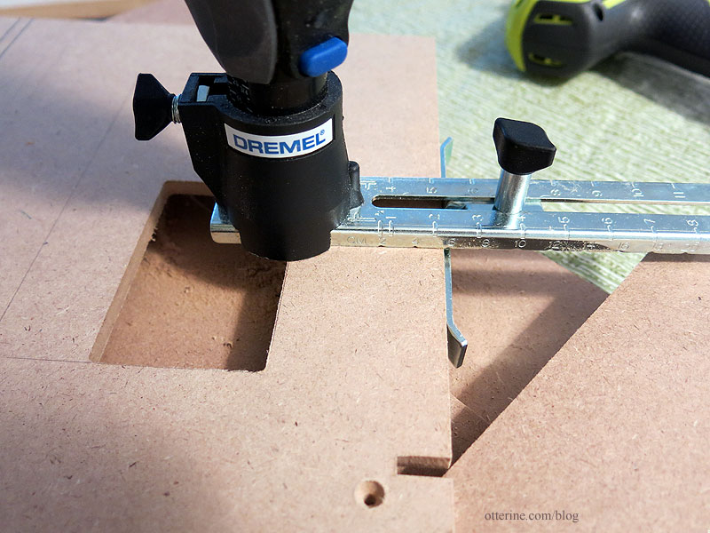 Dremel Trio 6800 Edge Cutting with Guide Handle