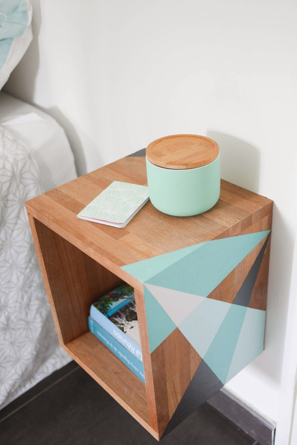 Floating Diy Nightstand With Teal Color Accents Bestter