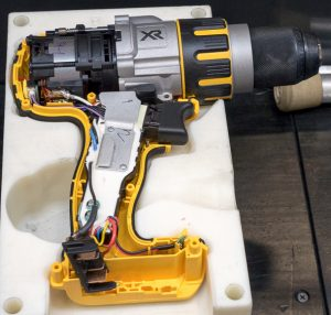 dewalt-20v-max-brushless-premium-drill-usa-assembly-internals-in-place